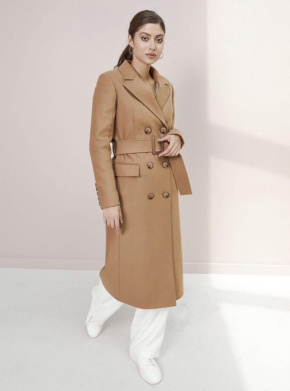 Двубортное пальто кэмел