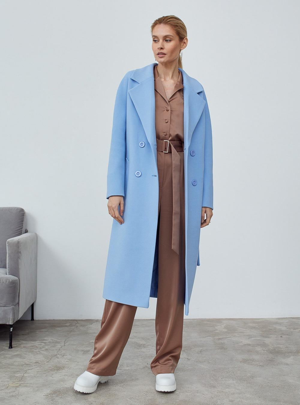 Пальто с цельнокройным рукавом голубое