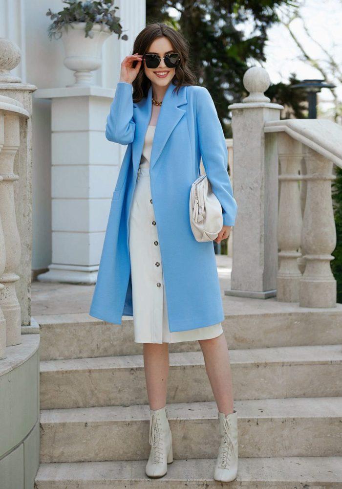 Пальто-халат укороченное голубое