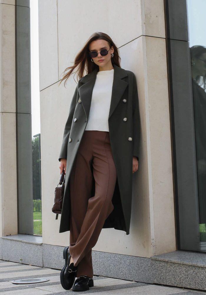 Пальто с цельнокройным рукавом оливковое